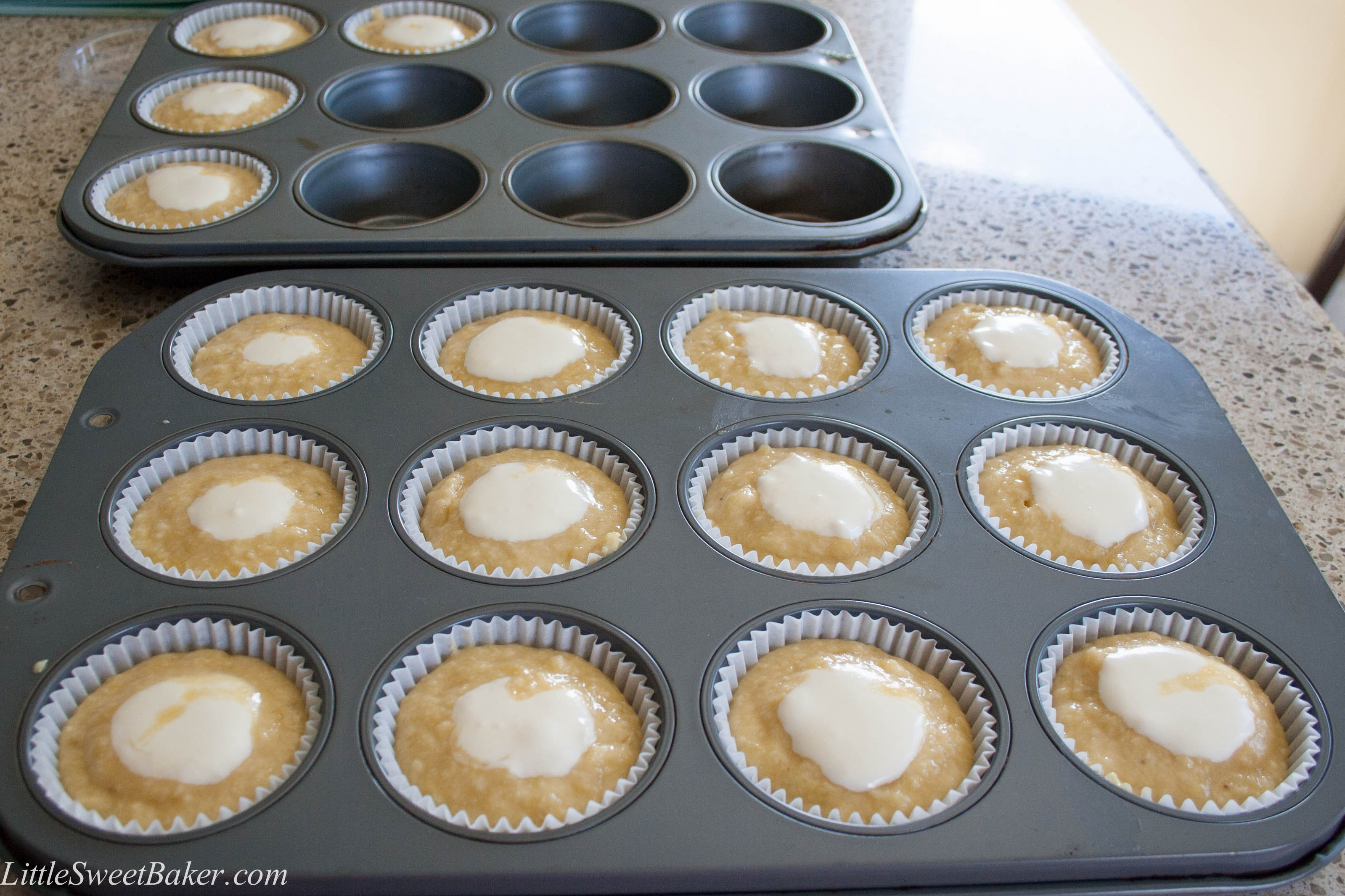 12 cups cupcake tray