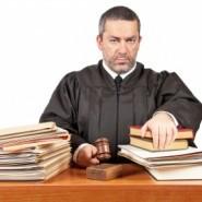 Should I become a judge's associate?