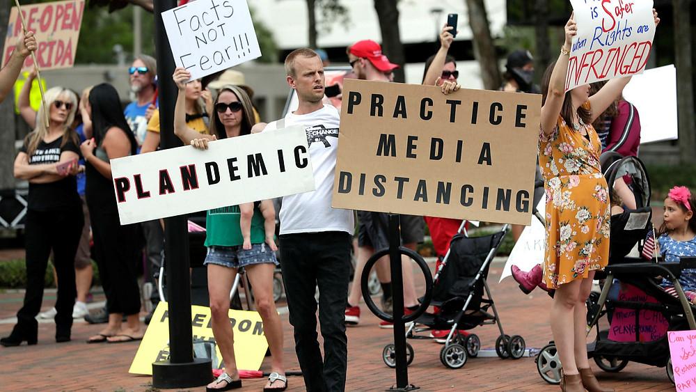 Anti-lockdown COVID-19 protesters in Florida, USA