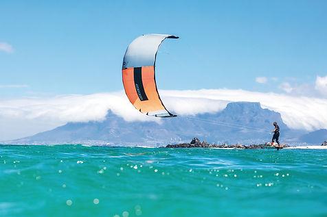 kite-surfing-3857694_1920.jpg