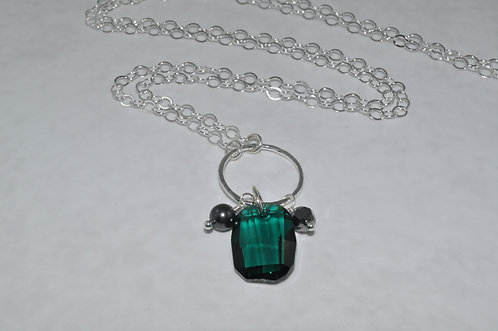 Emerald Anna Graphic Pendant Necklace   NL009-SS