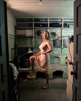 Retro implied boudoir photo session