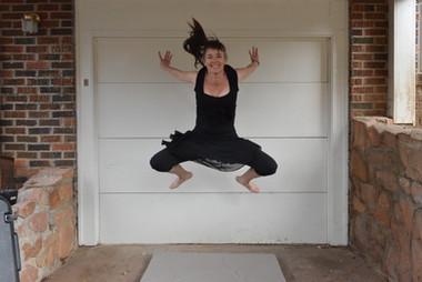 Antoinette jumping
