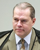 Toffoli nega pedido de subprocuradores sobre representação contra Aras