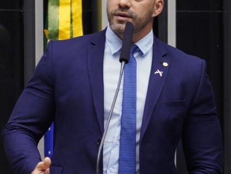 Conselho de Ética recomenda censura escrita a Daniel Silveira