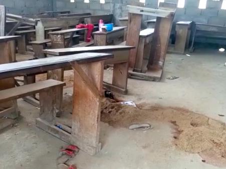 Homens invadem escola em Camarões e matam várias crianças