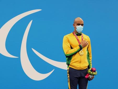 Atletismo e natação já trouxeram seis ouros para o Brasil