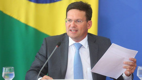 Governo reajusta o Auxílio Brasil e anuncia benefício mínimo de R$ 400