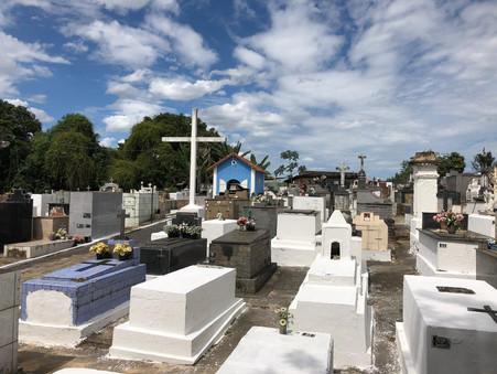 Salvador registra o maior número de óbitos e menos nascimentos da história