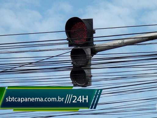 Após oito meses inoperantes semáforos do centro da cidade voltam a funcionar