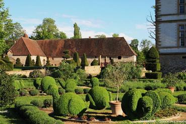 Cormatin et ses jardins