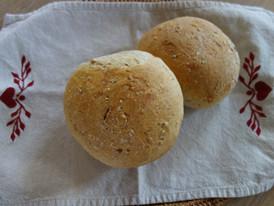 Petit pain maison à la petite madeleine.