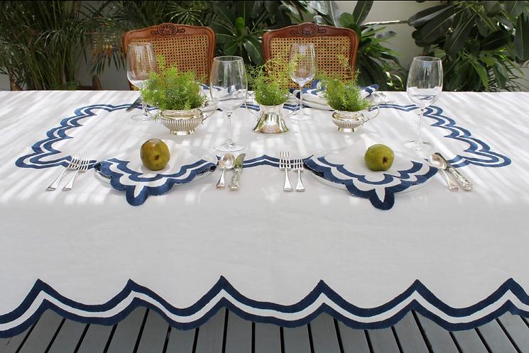 Scalloped Linen Table Cloth - Indigo