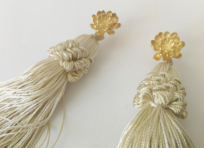 The jasmine bloom earrings