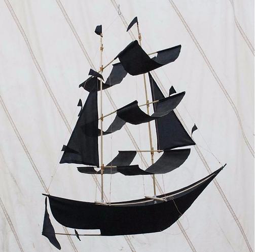 Pirate ship kite
