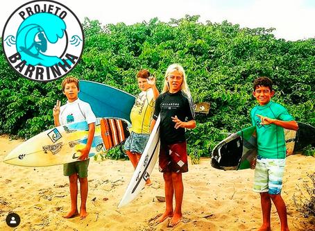 Conheça o Projeto Barrinha. Skate e Surf para crianças da Barra do Saí - PR.