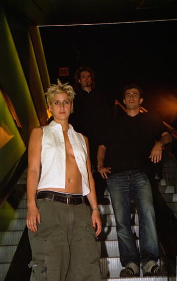 Earthphish 2001