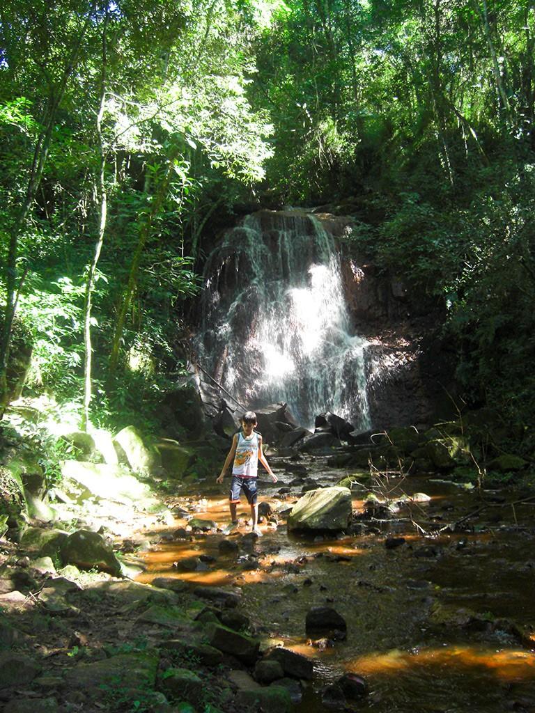 cachoeira-do-bambu-fazenda-hotel-vale-verde-5-768x1024