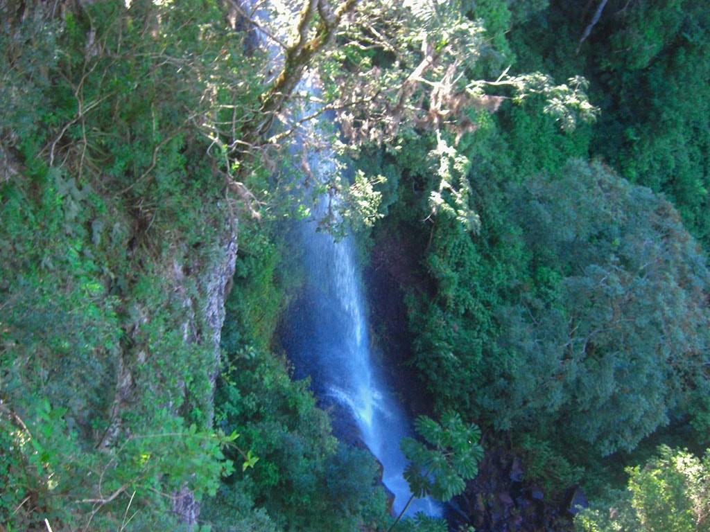 cachoeira-da-gruta-fazenda-hotel-vale-verde-1-1024x768