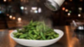 Bohnen mit Salz, Edamame Beans