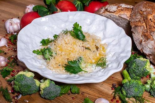 Паста с цыплёнком, брокколи и соусом блючиз
