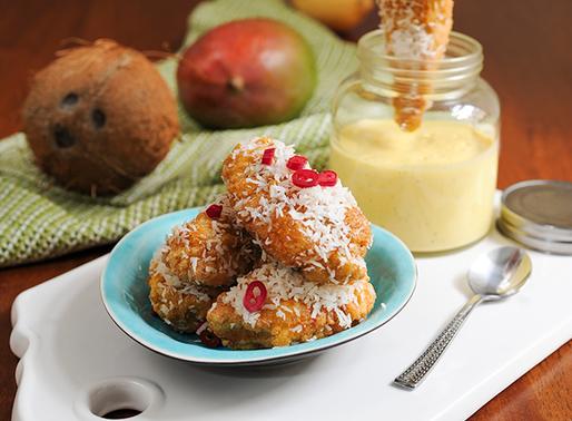Friterade curry kokos kyckling med mango dipp sås.