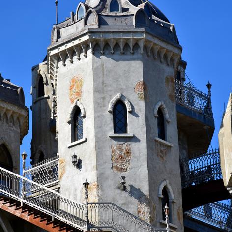 Chris Mark Castle | Rear Tower