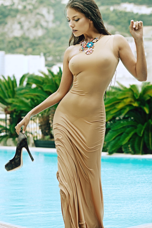 beautiful-dubai-girl-nude