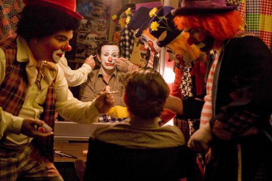 milk-movie-penn-sean-clowns-520k.jpg