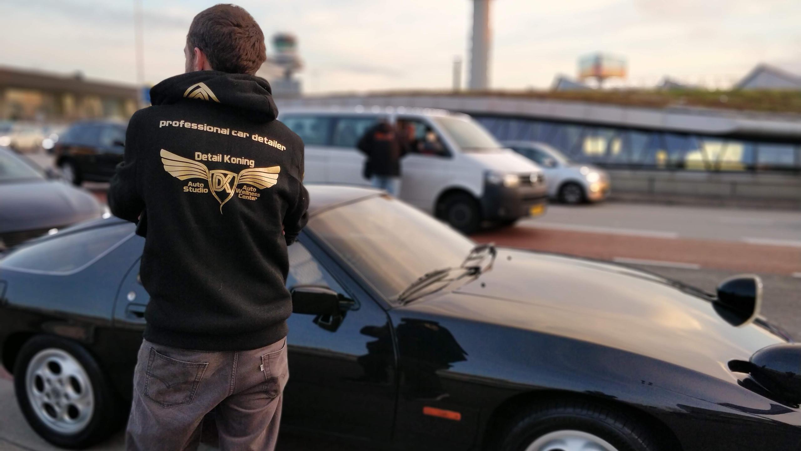 Schiphol valet 928 Porsche