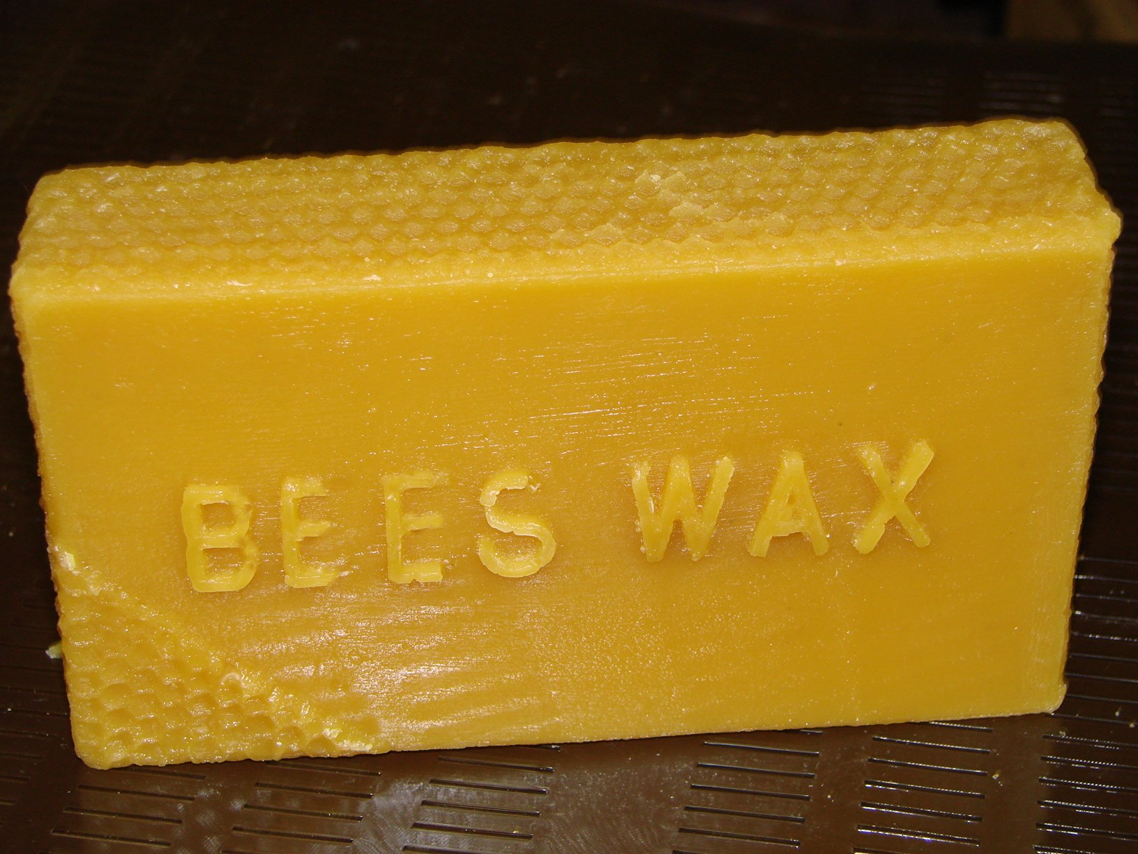 Pure natural beeswax