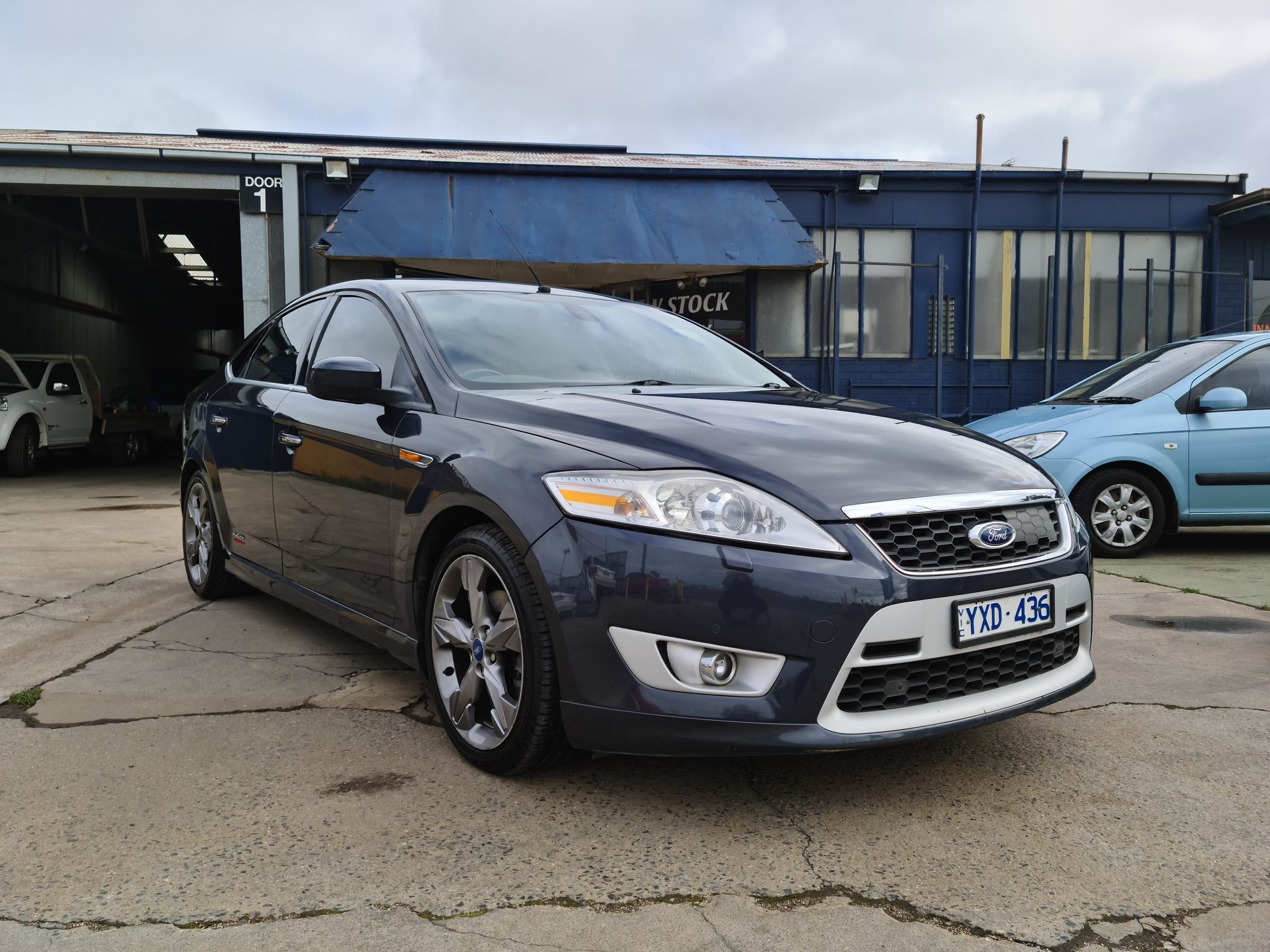FORD MONDEO (2)