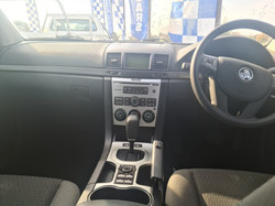 HOLDEN VE COMMODORE (5)