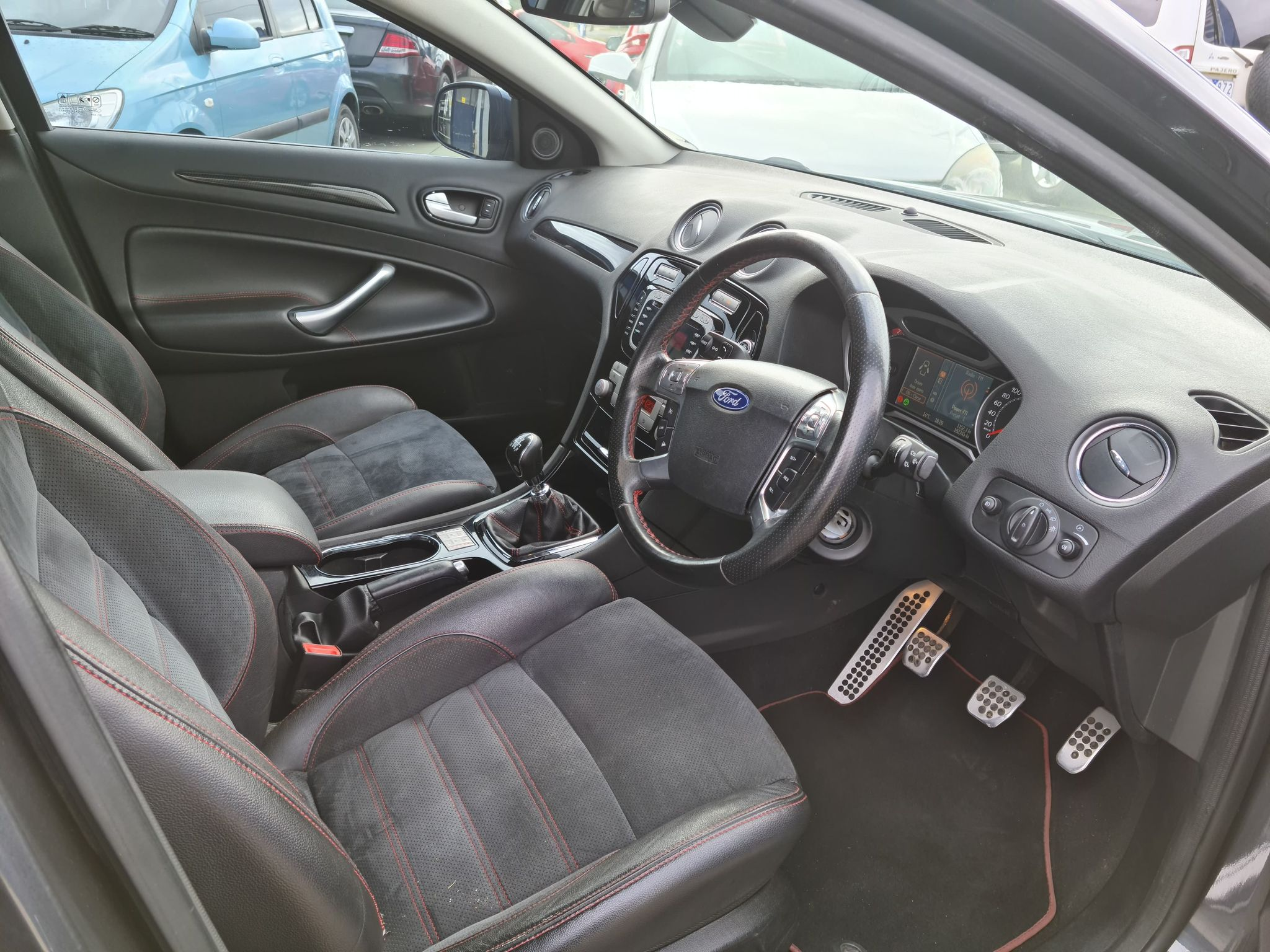 FORD MONDEO (4)