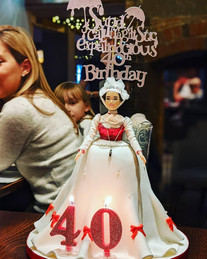 I ended up making my own 40th Birthday cake!