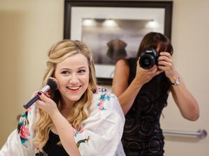Wedding & Lifestyle Photographer