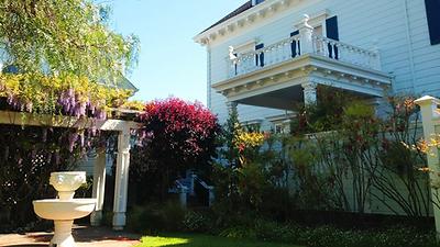 Trumbull-Manor-house.jpg
