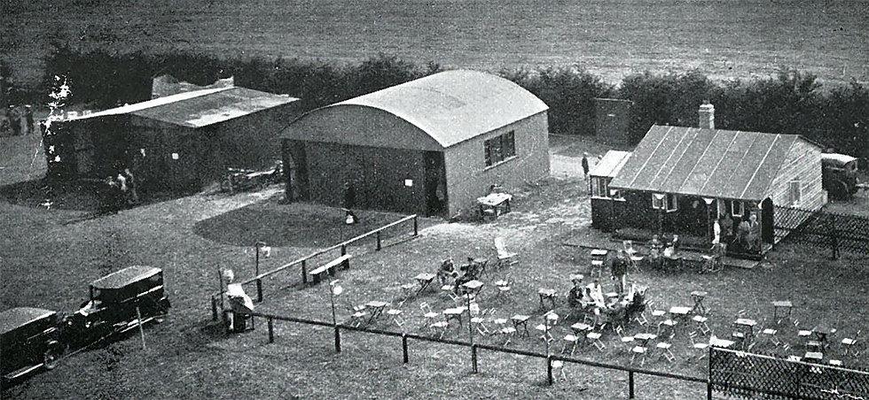 First Hangar & Clubhouse 1929.jpg