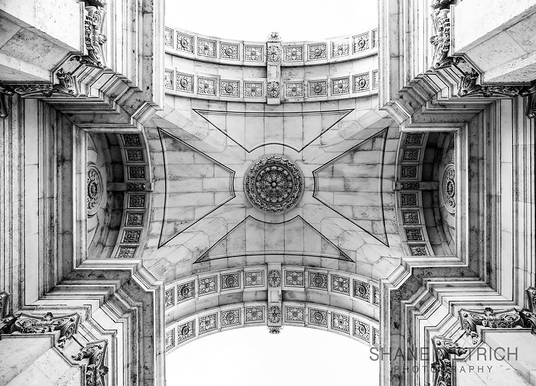 Portugal - Under the Arch