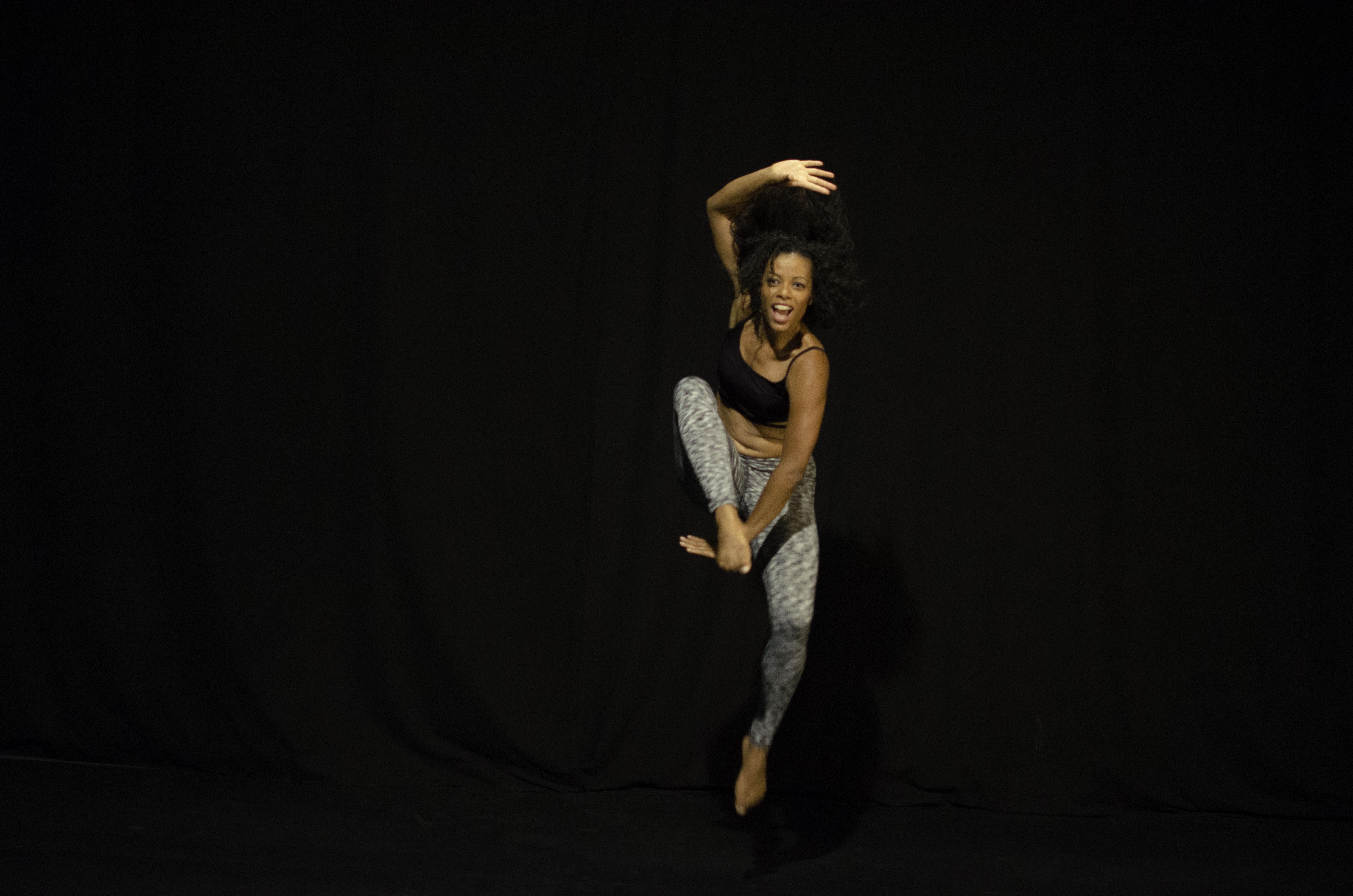 Cendrine-Afro-Jump.jpg