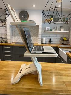 Well WorkStation - Laptop Shelf 4.JPG