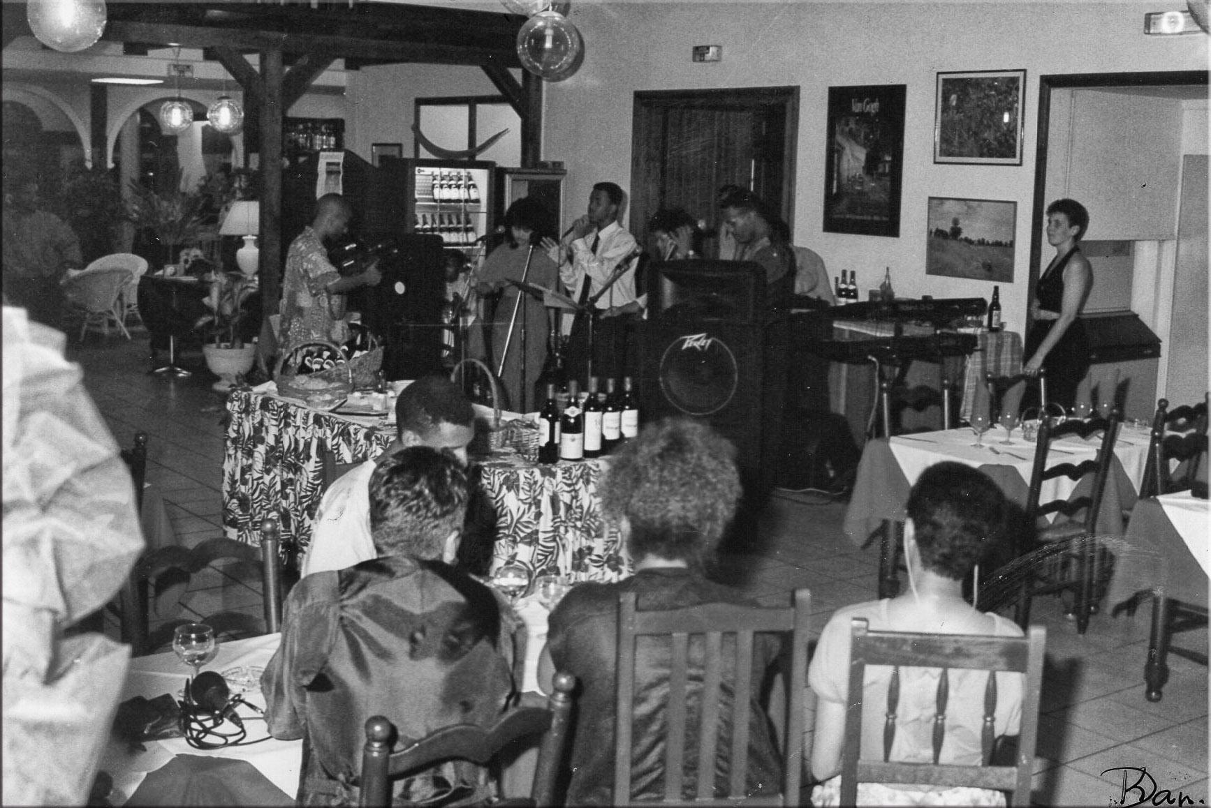 au bar des Palmistes 1996d