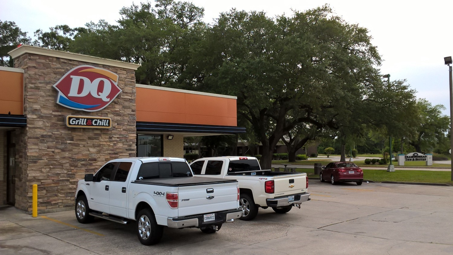 DQ at INN ENTRANCE