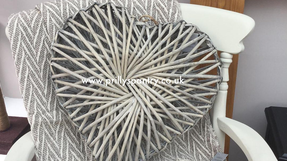 Grey Twisted Willow Heart - Medium 30 x 30 x 9cm