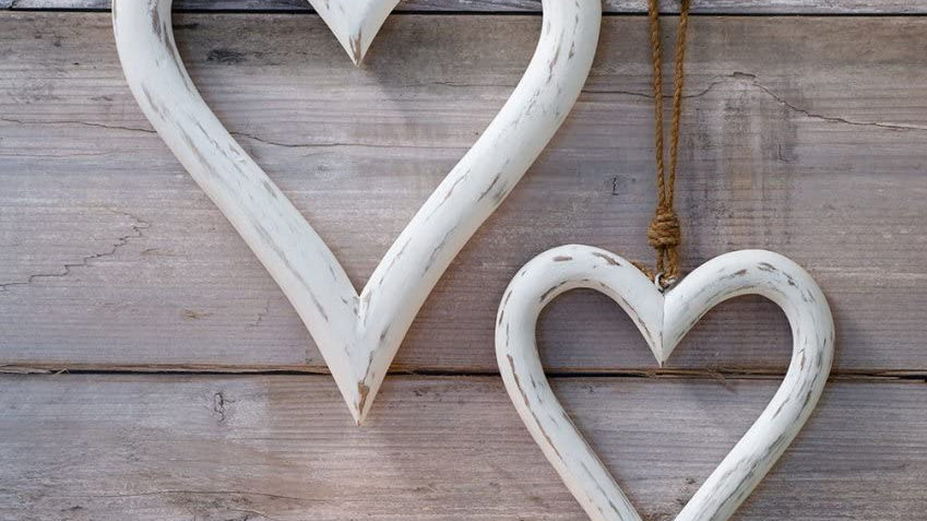 Set of 2 Large Rustic White Washed Wooden Hanging Hearts