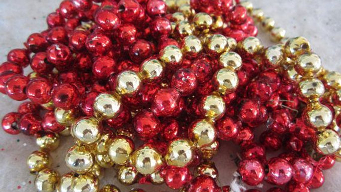 5M Chunky Bead Garland - Gold or Red