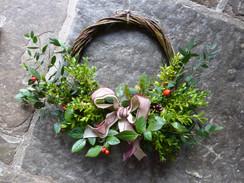 Christmas Wreaths & Decorations