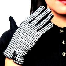 Women's Autumn Winter small plaid checked cashmere glove lady's Fashion elegant woolen glove  59.00€