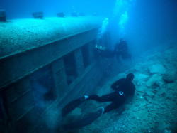 Wreck freediving