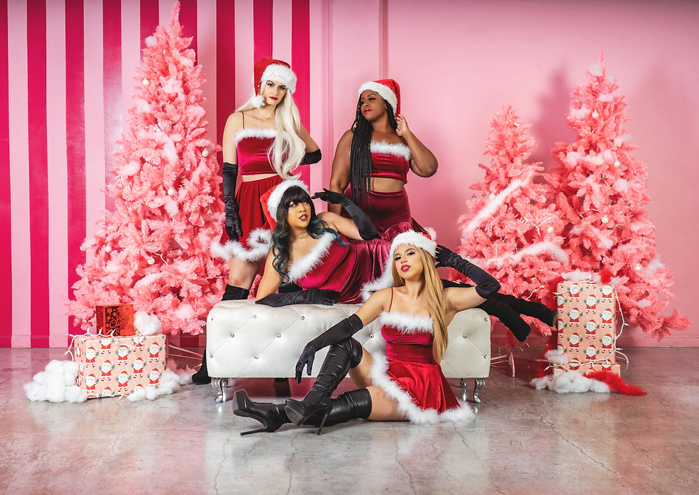 Mean girls Christmas photoshoot
